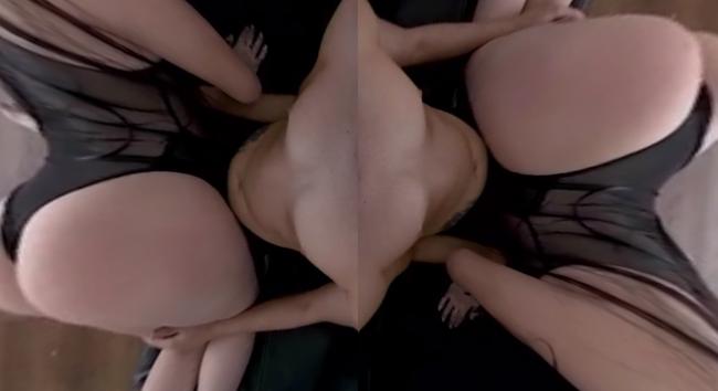 Milf latina tiene sexo en VR