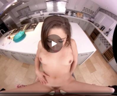 Sexo anal con la adolescente en la cocina